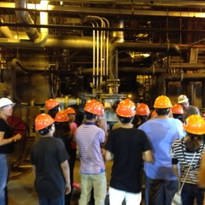 The students get a close-up look at the inner workings of a power station.