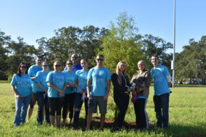 A beautiful connection for a more beautiful Tampa Bay: TECO volunteers and Keep Tampa Bay Beautiful.